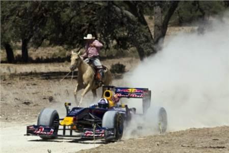 Red Bull drives Austin GP circuit in F1 car