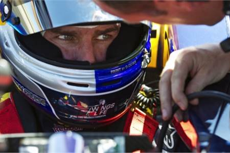 Tom Cruise drives Red Bull F1 car