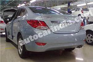 New Hyundai Verna spied in India