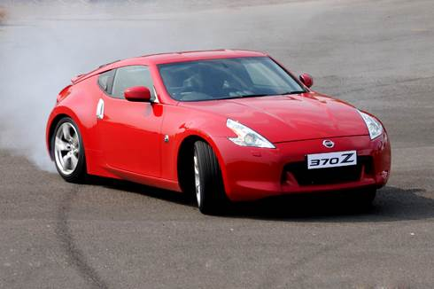 Nissan 370Z launched in India