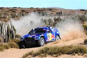 Sainz clinches Dakar Rally victory