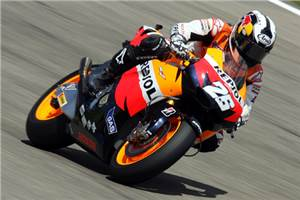 Pedrosa wins in Italy