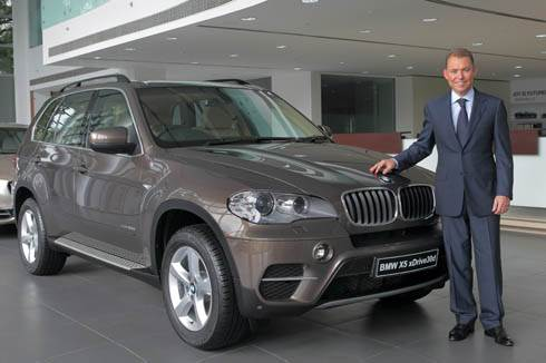 BMW Launches updated X5