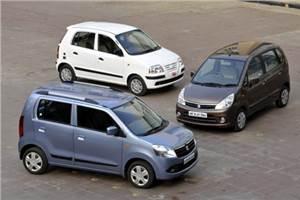 Comparo: WagonR vs Estilo vs Santro