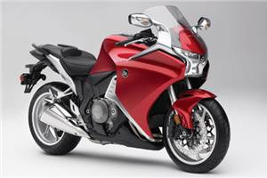 Honda VFR1200F test and review