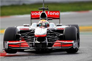 Lewis tops F1 testing