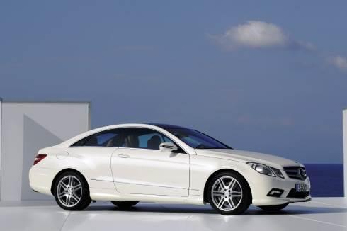 Mercedes exhibits E-class Coupe