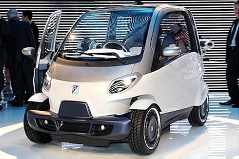 Piaggio reveals new city car
