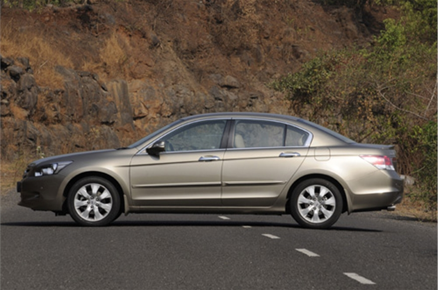 Honda accord v6 old autocar india for Honda accord old model