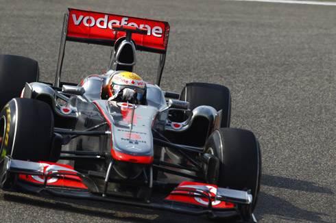 Hamilton wins thrilling Chinese GP