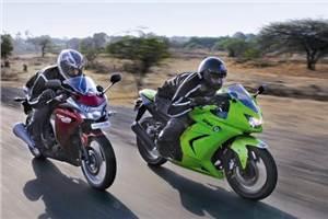 Honda CBR250R vs  Kawasaki Ninja250R