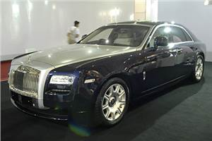 Rolls Royce posts record sales