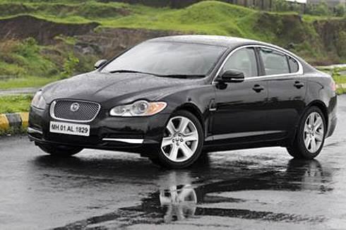Jaguar launches XF diesel saloon
