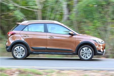 Hyundai i20 Active review, test drive