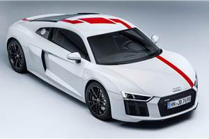 Audi unveils rear-wheel-drive R8 V10 RWS with 540hp