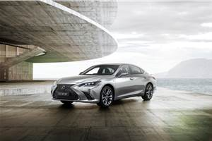 New Lexus ES sedan revealed in Beijing