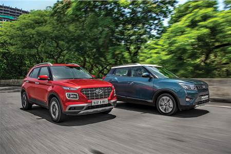 Hyundai Venue vs Mahindra XUV300 diesel comparison