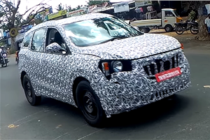 Next-gen Mahindra XUV500 spied for the first time