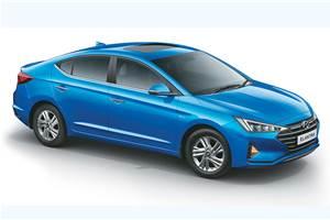 Hyundai Elantra facelift launched at Rs 15.89 lakh