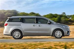 Kia Carnival mileage rated at 13.9kpl by ARAI