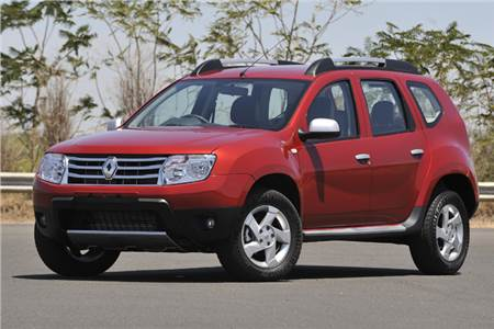 Renault Duster detailed image gallery