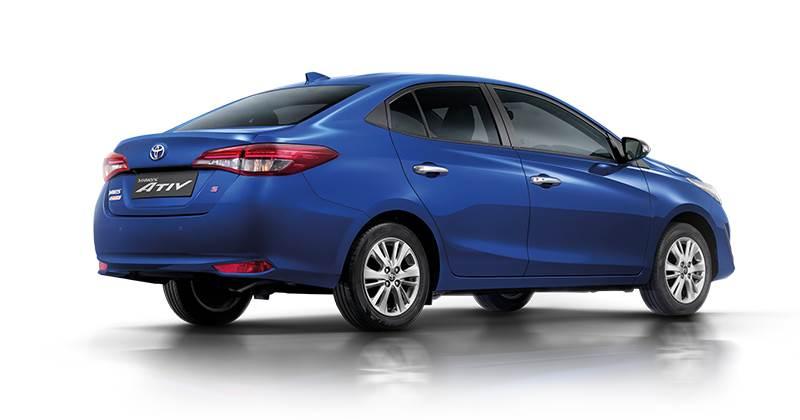 2018 Toyota Yaris Ativ sedan revealed