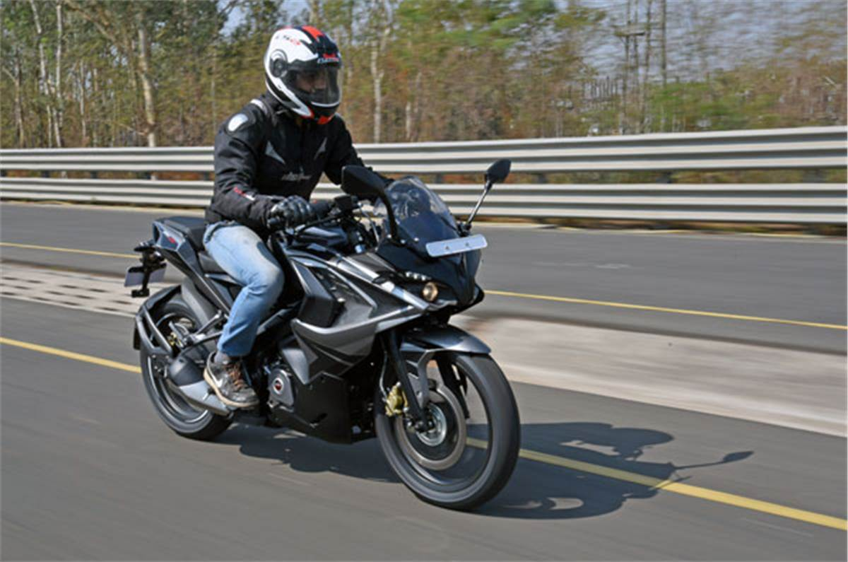 2017 Bajaj Pulsar Rs200 Review Specifications Price Images Autocar India