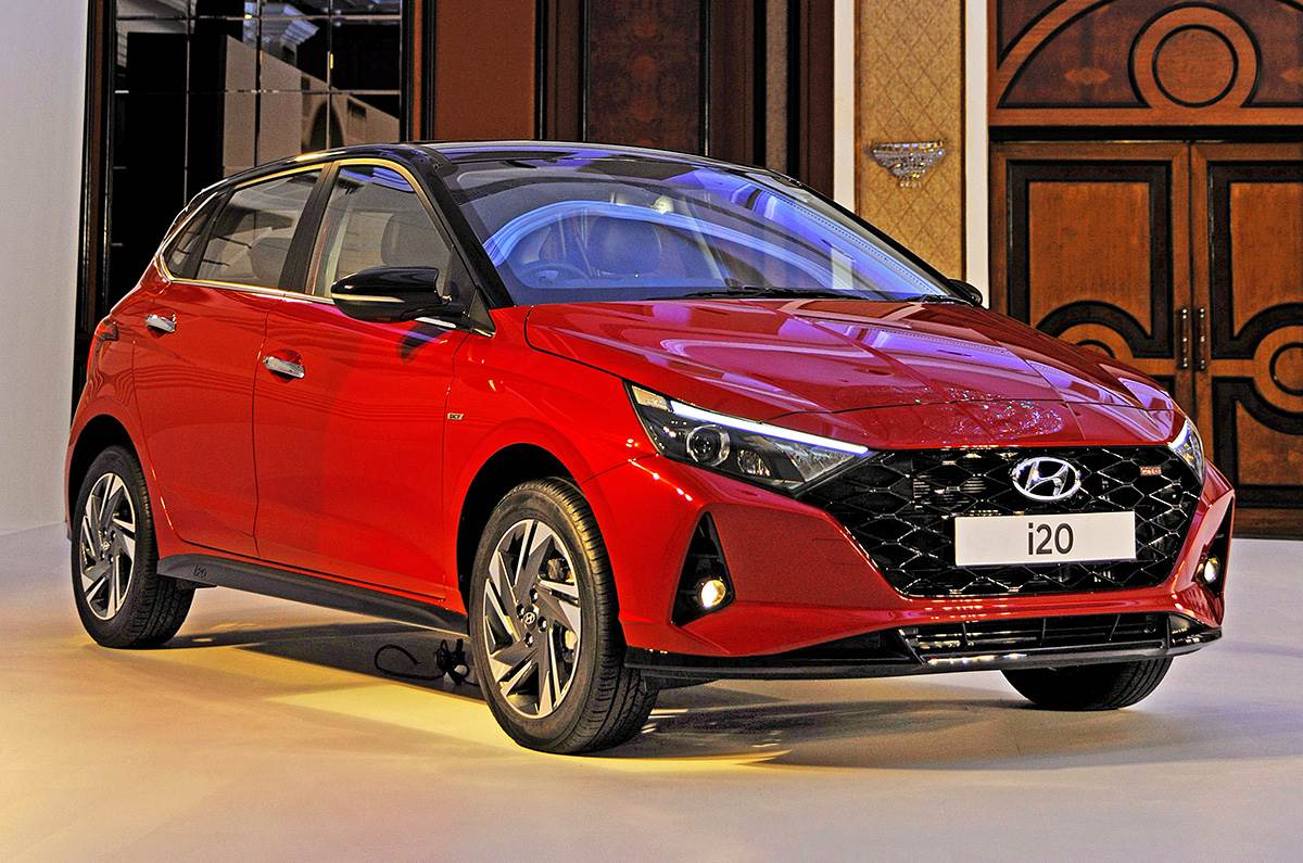 New Hyundai i20 2020 Interior, Features and Price: The new-gen Hyundai i20 launched in India and here's its price, features and interior.
