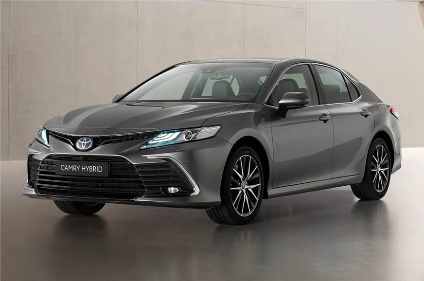 Toyota Camry facelift revealed
