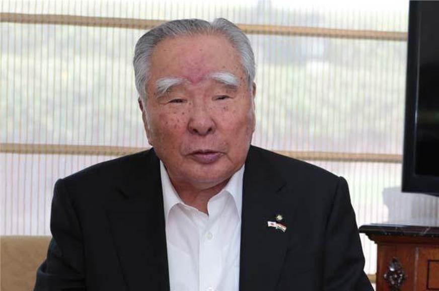 Osamu Suzuki to step down from June 2021