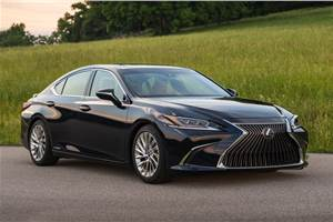 2018 Lexus ES 300h launched at Rs 59.13 lakh