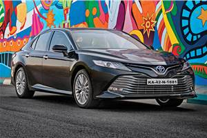 New Toyota Camry Hybrid gathers over 400 bookings