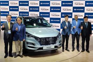Hyundai Tucson facelift debuts with revamped interior, BS6 engines
