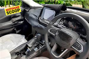 Jeep Compass facelift interior spied for the first time