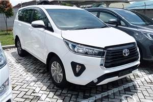 Toyota Innova Crysta facelift India launch this month