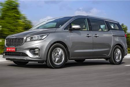 India-spec Kia Carnival image gallery