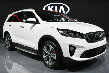 Kia at the Auto Expo 2018 first look video