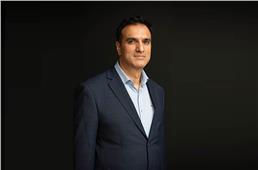 Tata's EV marketing and sales head Ashesh Dhar pass...