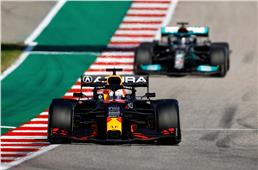 2021 US GP: Verstappen holds off charging Hamilton to win...