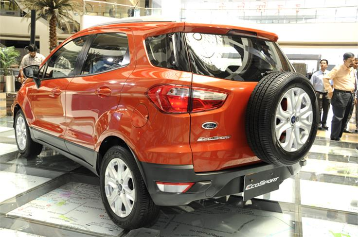 SUV look is further emphasised by the black cladding at the bottom of the bumpers and beneath the doors