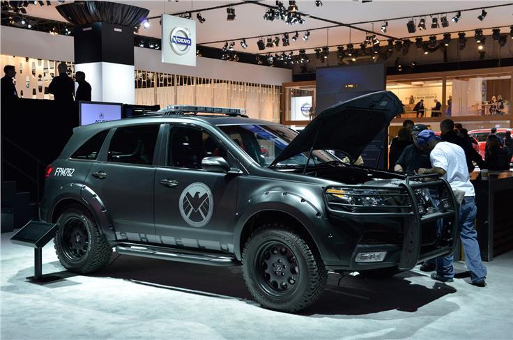 Acura S.H.I.E.L.D is based on the MDX and featured in The Avengers film