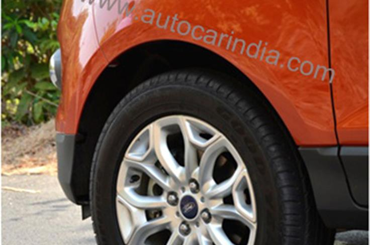 Chunky 205 / 60 R-16 tyres play a big role in class-leading ride and handling