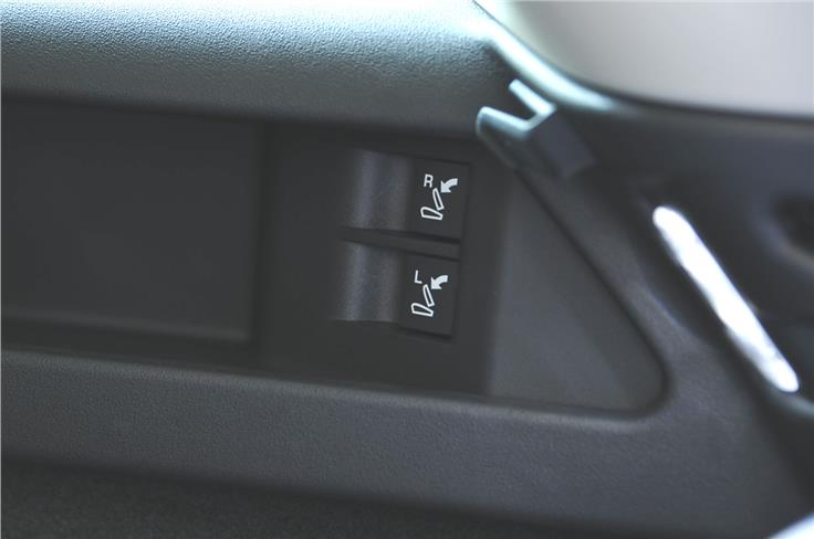 The Discovery Sport gets a power-folding option for the third row seat.