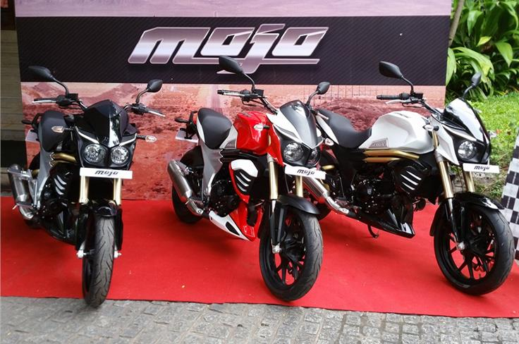The Mojo is available in three paint schemes with an all Black, Black + White and the Mahindra Racing Red + White colours.