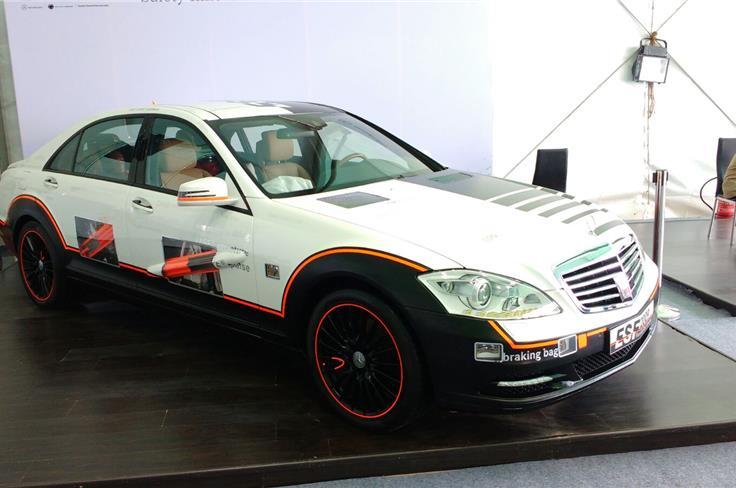 """Mercedes S-Class """"Safe Roads"""" demonstrator"""""""