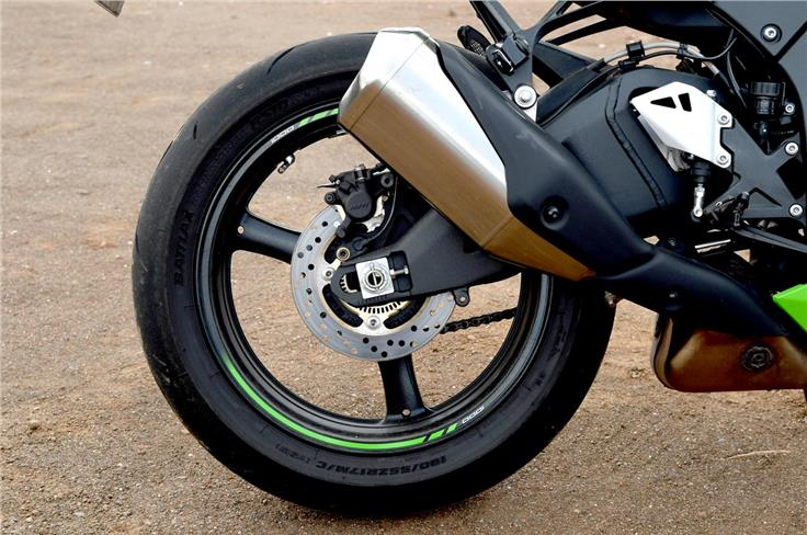 - It comes equipped with twin Brembo M50 monobloc, four-piston calipers, attached to 330mm discs up front, and a two-piston Nissin caliper attached to a 220mm disc at the rear.