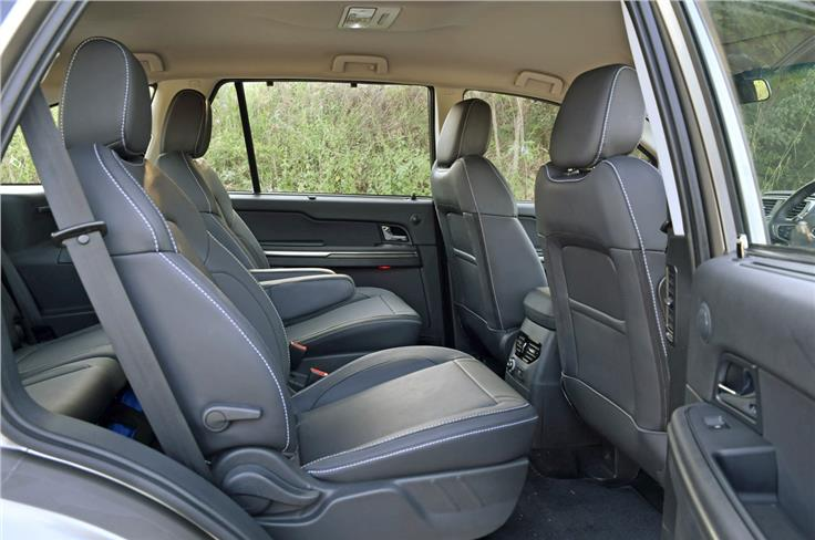 Middle-row captain seats just as good as the front. Bench-seat option offers adequate space for seating three abreast.