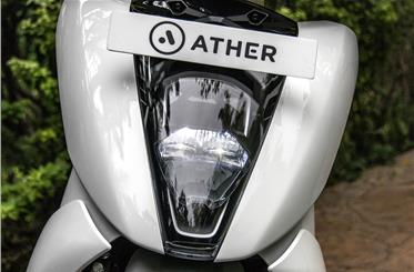 Full-LED headlight is flush-fitting into slim apron, weighs just over 1kg.
