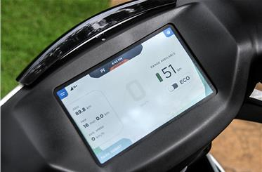 7-inch capacitive touchscreen a scooter-segment first, is feature-packed.