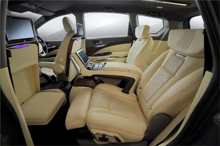 Only the left-hand side second row seat can recline up to 160 degrees and has built-in footrests.